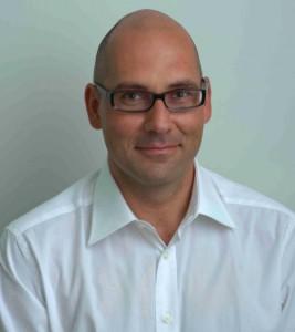 Dr. Daniel Mündel - Ein Engel in weiß